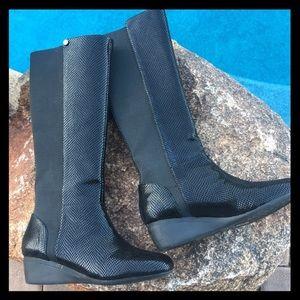 👢👢J Renee black snake print knee high boot 👢👢